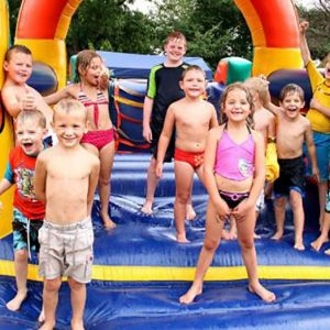 Benefits of Hiring a Jumping Castle for your Children